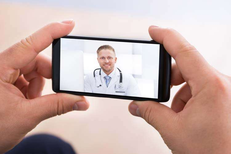 doctor online on mobile phone telemedicine